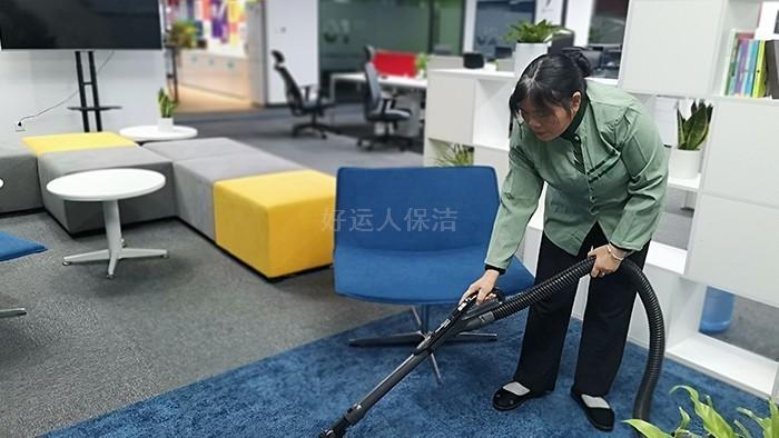 简述地毯的清洁、保养误区