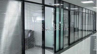 办公室室内玻璃清洗
